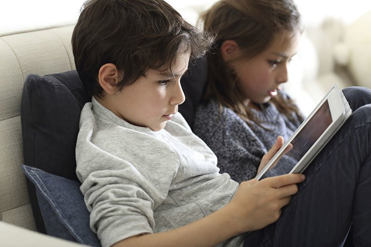 Coping With Screen Time And Anger Issues Raising Tweens Tips >> What Is Too Much Screen Time Doing To Our Kids Mental Health